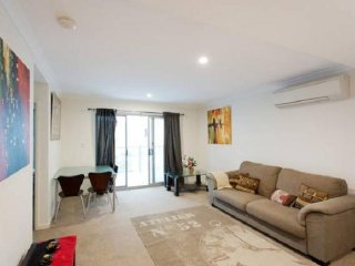View profile: Fully furnished pet friendly city apartment