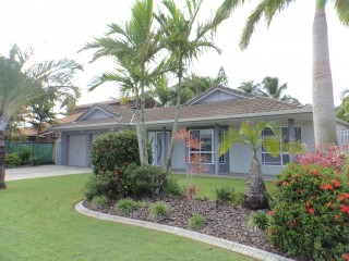 View profile: BEACHSIDE LIVING CLOSE TO TOWN!