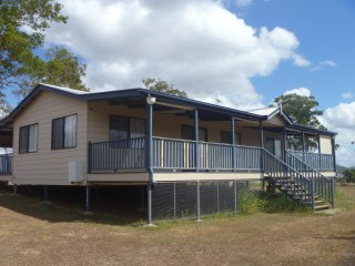 View profile: BREAK LEASE- AIR-CONDITIONED HOME , FULLY FENCED ,TWO BAY SHED ,