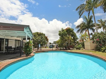 View profile: 4 bedroom home on canal, walking distance to the beach