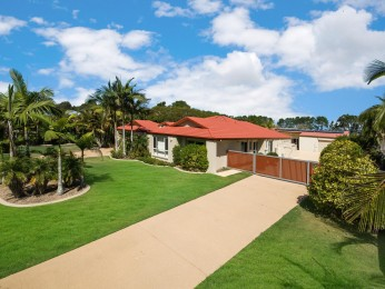 View profile: Family Living - 1/2 Acre, HUGE Workshop!