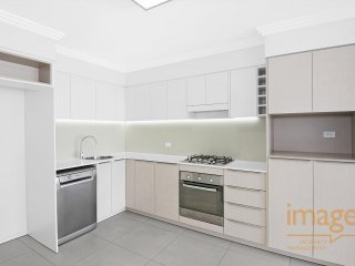 View profile: Modern One Bedroom Unit in Great Location!!