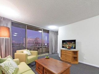 View profile: GIANT 1 Bedroom Aparment - Fully Furnished