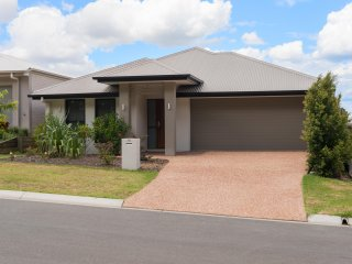 View profile: Large family home in quiet Griffin Pocket