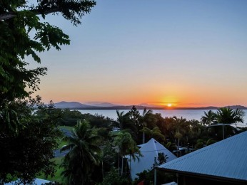 View profile: You're Beach Cottage with Ocean Views on a 1,213m2 block