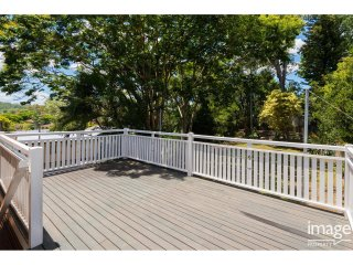 View profile: Perfect Entertainers House - AIR-CONDITIONING – ENTERTAINING DECK - PETS CONSIDERED
