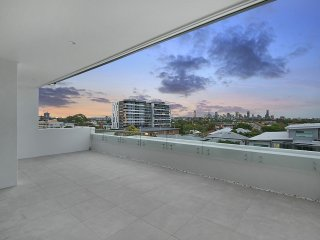 View profile: Luxury penthouse living with the best possible views of Brisbane CBD and surrounds