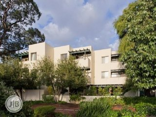 View profile: Beautiful Semi-furnished 2 bedroom apartment in South Perth