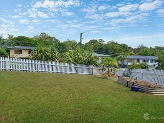 View profile: FAMILY HOME CLOSE TO MANSFIELD PRIMARY AND HIGH SCHOOL