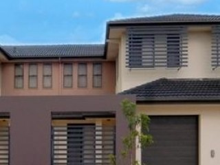 View profile: LARGE OPEN PLAN TOWNHOUSE,3 BEDROOMS