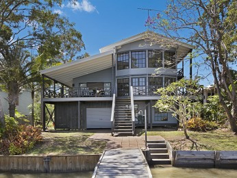 View profile: Riverfront House on the North Shore Opposite Tewantin Township
