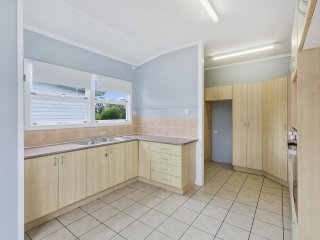 View profile: Check out the Kitchen in this Lovely 3 bedroom Home!