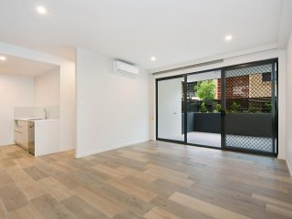 View profile: Largest and most high-end 1 bed unit in Coorparoo available now