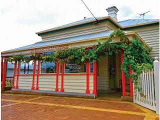 View profile: Balmoral Post Office plus Refurbished Residence