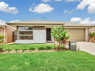 View profile: Brand New Large Flowing House. Pet Friendly