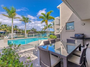 View profile: Jalynca - Waterfront complex with pontoon Noosa Sound Location