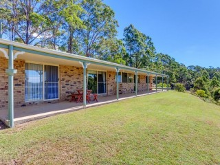 View profile: COUNTRY LIVING WITH AMAZING VIEWS, STEADY INCOME & DUAL DWELLINGS!!