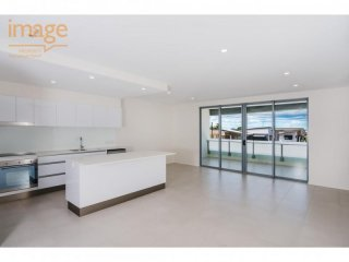 View profile: 2 BED 2 BATH IN THE HEART OF MT GRAVATT EAST