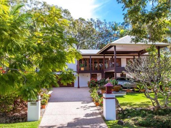View profile: Elegance, Dual Living, Privacy!