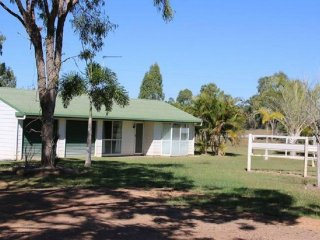View profile: 100 Acres of Horse/Cattle Country 10km from Town!!