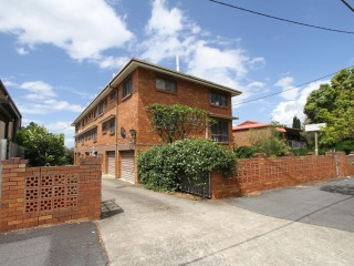 View profile: New Farm Brick 5 x 2 Bedroom Block of Units with 2 Street Frontage