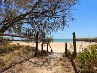 View profile: 3 bedroom, beach facing apartment / Windmill  SPECIAL OCTOBER FEST DISCOUNTS
