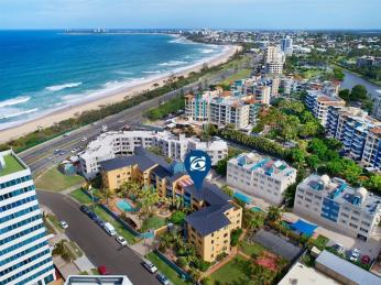 View profile: Large Top Level Beachside Apartment
