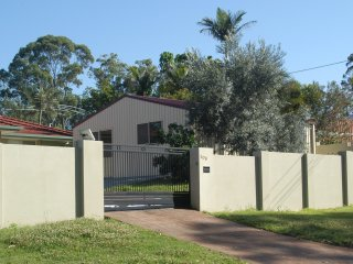 View profile: 50B Clarence Drive, Helensvale, QLD 4212