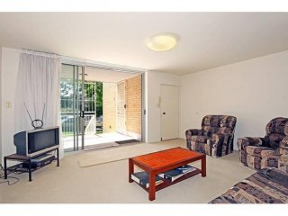 View profile: Adorable Unit in Exceptionally Handy Location