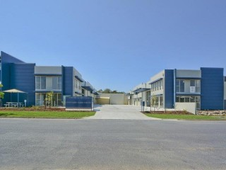 View profile: INDUSTRIAL UNIT WITH BUILT IN OFFICE SPACE