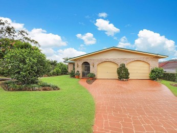 View profile: Gracious Home, Quality Location!