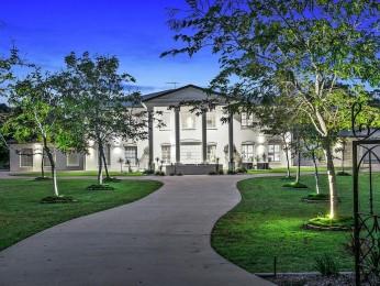 View profile: Stately Acreage Grandeur on 3.2 Acres