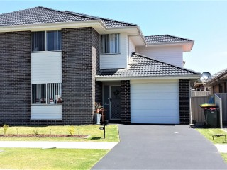 View profile: A Young and Easy to Maintain Townhouse  (No Strata Levy) !!!