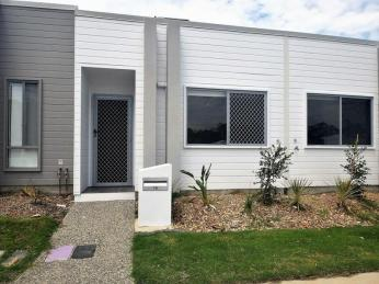 View profile: Lovely 2 bedroom home - Air conditioning to lounge and both bedrooms!