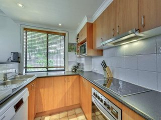 View profile: Spacious Inner City Pad with City Views!