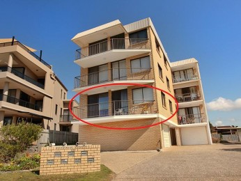 View profile: Beach front 2 bedroom apartment on Pacific Boulevard, sensational location