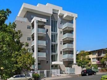 View profile: ONE BEDROOM APARTMENT WITH VIEW IN SPRING HILL AVAILABLE FROM 15/01/2013