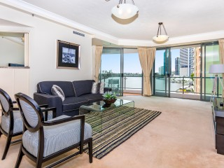 View profile: Fully Furnished Beautiful River Front Home In Prized Central Location