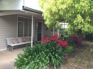 View profile: Holiday house at Eildon vic 3 bedroom undercover parking quiet street