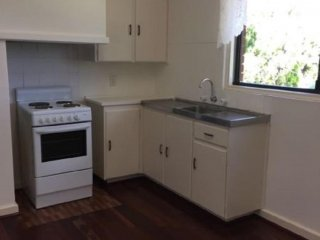 View profile: CONVENIENTLY LOCATED 3/1 HOUSE FOR RENT IN COOLBELLUP