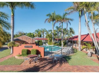View profile: Freehold Holiday Units Plus Large Residence 150m From Beach - Hervey Bay, Qld