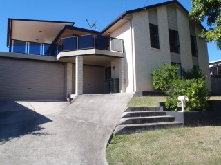 View profile: EXECUTIVE SELF CONTAINED HOME ON CBD FRINGE