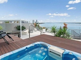 View profile: LUXURY PENTHOUSE WATERFRONT APARTMENT - WATERS EDGE ON THE  BROADWATER