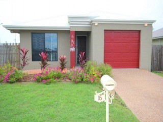 View profile: ROOM FOR THE FAMILY AND THE BOAT/CARAVAN!