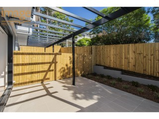 View profile: PRIVATE COURTYARD - PETS CONSIDERED - AIR CONDITIONED - TICKING ALL THE BOXES?