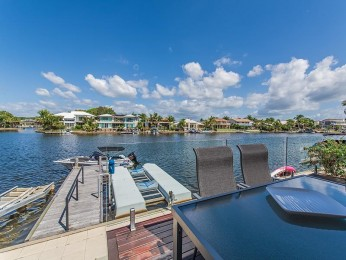 View profile: Perfect Waterfront Position in the heart of Noosaville