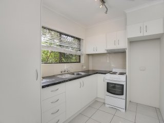 View profile: 2 BEDROOM APARTMENT IN CLAYFIELD - NEW CARPET