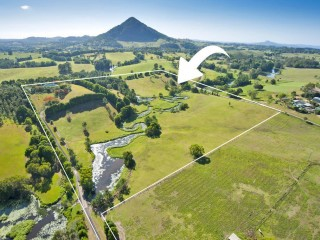 View profile: Spectacular acreage, spectacular position