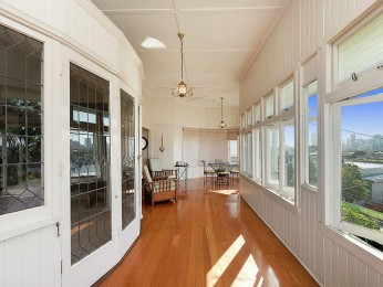 View profile: MUST BE SOLD! Grand Residence with Panoramic City & River Views