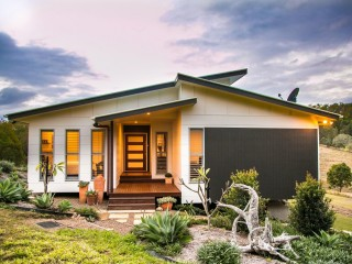 View profile: LIFESTYLE PROPERTY WITH IDYLLIC ATMOSPHERE